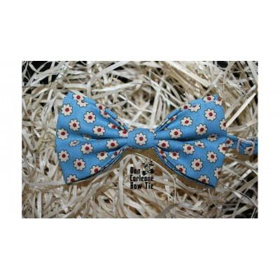 Бабочка голубая в цветочек