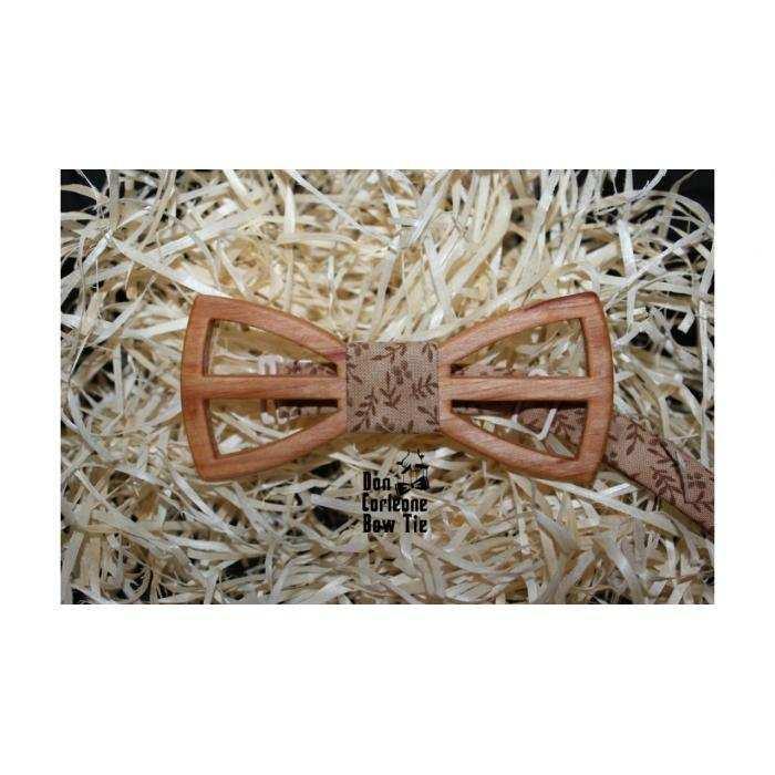 Бабочка деревянная классическая c бежевой серединкой